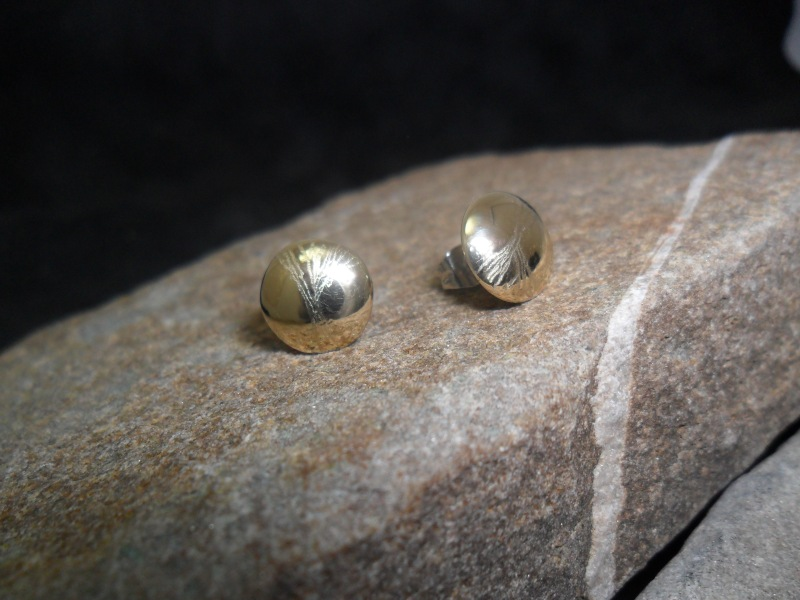 Boucles d'oreille en or jaune 14K.