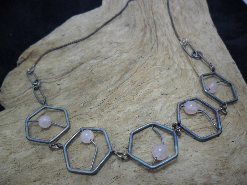Collier en argent sterling orné de quartz roses