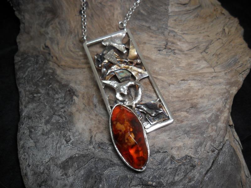 Collier en argent sterling orné d'un ambre